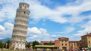 Šikmá věž v Pise není nejvíce nakloněnou stavbou světa. Ještě šikmější stavba existuje například v Číně