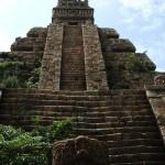 Původ Aztéků je nejistý, někteří vědci se domnívají, že přišli ze severní Kalifornie.