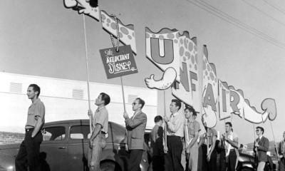 Stávkující zaměstnanci Disneyho studia si v roce 1941 vyrobili originální transparent s hlavou svého šéfa.
