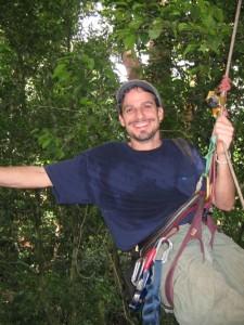 Stephen Yanoviak si v rámci svých výzkumů v perském deštném pralese užil nemálo adrenalinových výstupů.