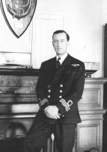 Fleming jako bývalý důstojník MI6 měl s agenty tajné služby bohaté zkušenosti.