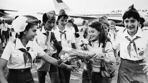 Ukázali jí, jak jsou všechny sovětské děti šťastné v pionýrském táboře Artěk. Jinam ji raději moc nebrali.