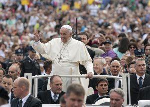 Nejhůř je na tom papež, který nedostává žádný plat.