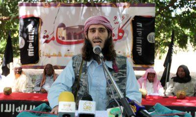 Abú Mansour se nejdřív dostane na seznam FBI a pak na černou listinu vlastní organizace Šbáb. Před čtyřmi lety ho zastřelili.