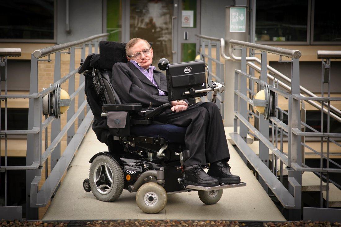 05 – Jedním s autorů myšlenky mezihvězdného letu je slavný fyzik Stephen Hawking