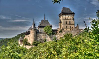 Obránci Karlštejna se zavazovali, že budou za všech okolností chránit hrad a jeho poklady. Nedodržení tohoto slibu by pro ně znamenalo trest smrti, ztrátu cti i majetku a vyhnání potomků ze země.