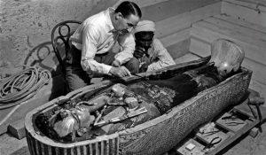 Odkrytí hrobky faraona Tutanchamona je považováno za jeden z největších archeologických objevů všech dob.
