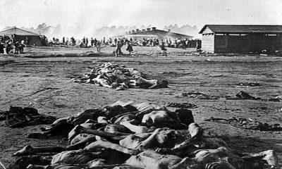 V koncentračním táboře přišlo o život více než 10 000 zajatců.
