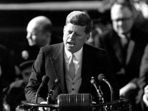 JFK umí ve svých projevech vždy trefit hřebík na hlavičku.