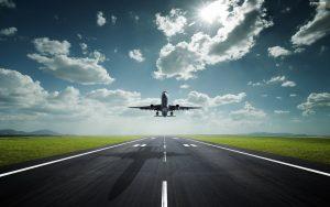 Ticho hubí nejen letadla, ale i konstantní šum projíždějících aut.