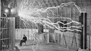 Nikola Tesla v laboratoři v Colorado Springs