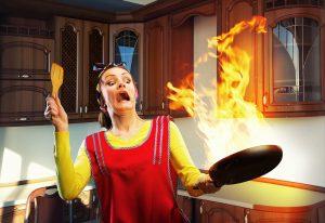 Hořící pánev není žádná legrace