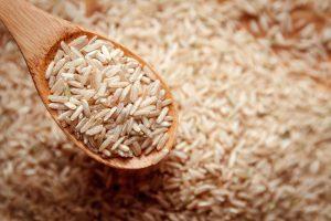 Hnědá rýže má výraznější chuť.