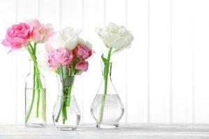 Nejlepší je pro květiny skleněná váza