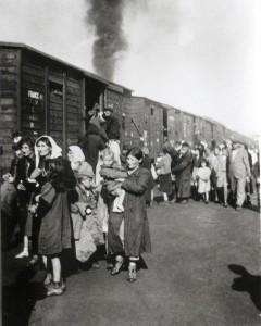 Většinu zajatců poslali Němci rovnou do plynu.