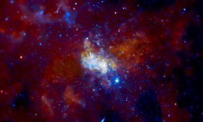 Takhle vypadá Sagittarius A*. Je to černá díra? Podle teorie kvantové mechaniky není možné, aby se hmota rozpustila. Informace musí zůstat zachována.