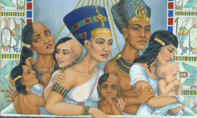 Náboženským obřadům i oficiálním ceremoniím předsedal faraon spolu se svou ženou Nefertiti.