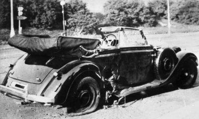 Gabčíkovi v osudný okamžik selhal samopal. Zasáhl proto Kubiš, který pod Heydrichovo auto mrštil granát.