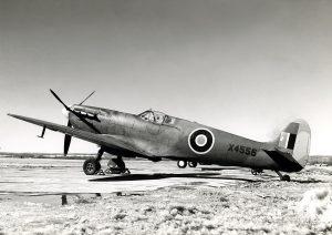 Typická tenká eliptická křídla a ladné aerodynamické tvary umožnily Spitfiru dosahovat vysokých rychlostí.