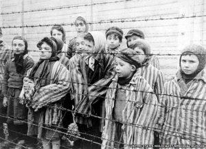 Oběti koncentračních táborů smrti jsou vykořeněné z paměti míst.