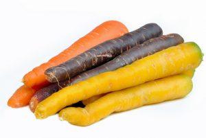 2) Mrkev v syrovém stavu má velmi odolné buněčné stěny, takže při trávení tělo získá asi jen čtvrtinu vitamínů.