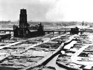 Rotterdam už nikdy nezískal svou původní polohu.