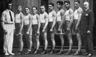 V roce 1935 je Trollmann (čtvrtý zprava) vyloučen z boxerského svazu.