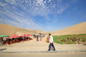 Extrémní sucho v oblasti města Dunhuang. To se má podle čínské vlády brzy změnit.