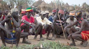 Rada starších kmene Kara odsouhlasila, že se rituální vraždy přestanou provádět. Dodrží to?