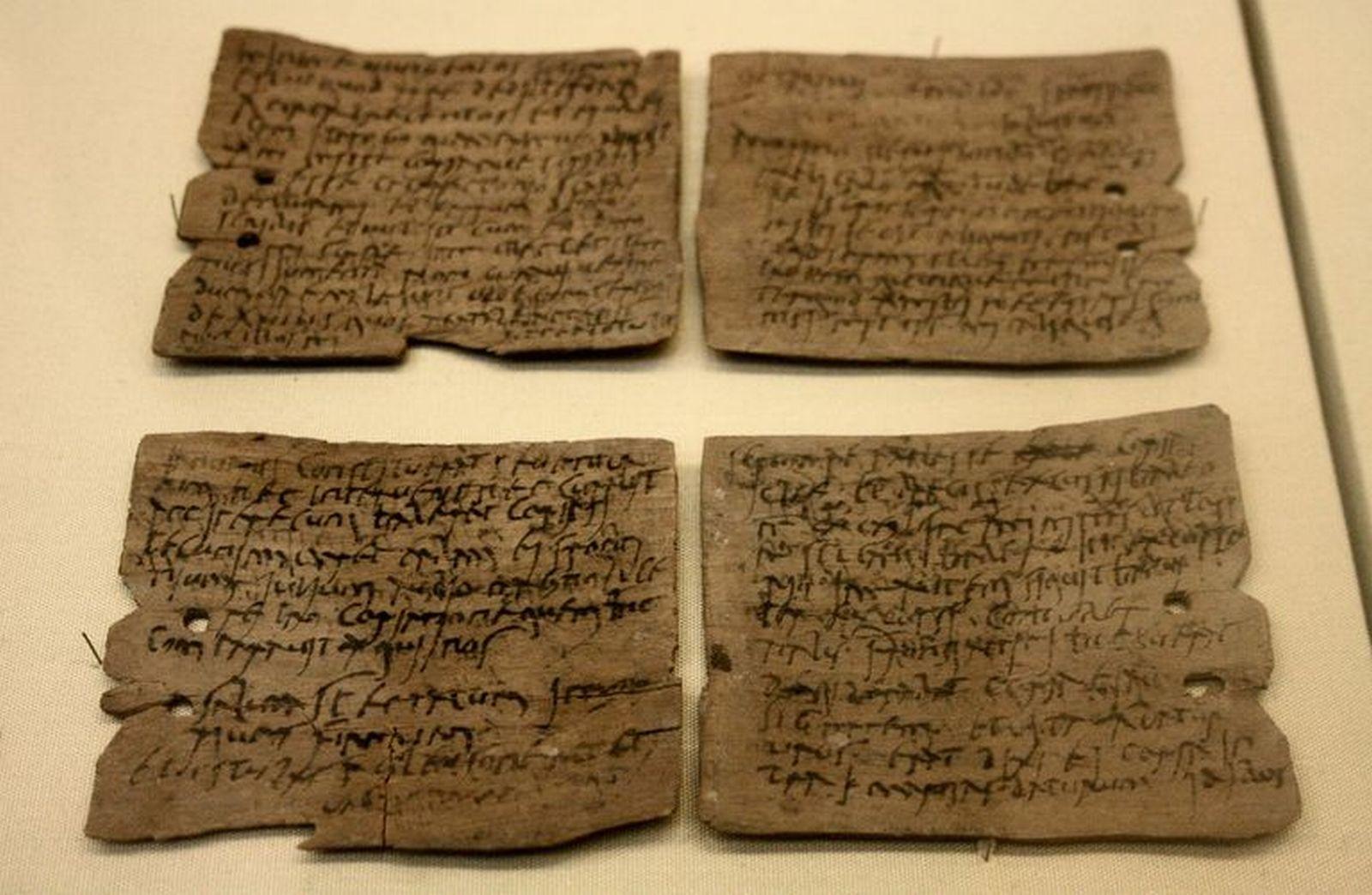 Archeologové našli na dřevěných tabulkách dopisy pojednávající o životě Římanů.