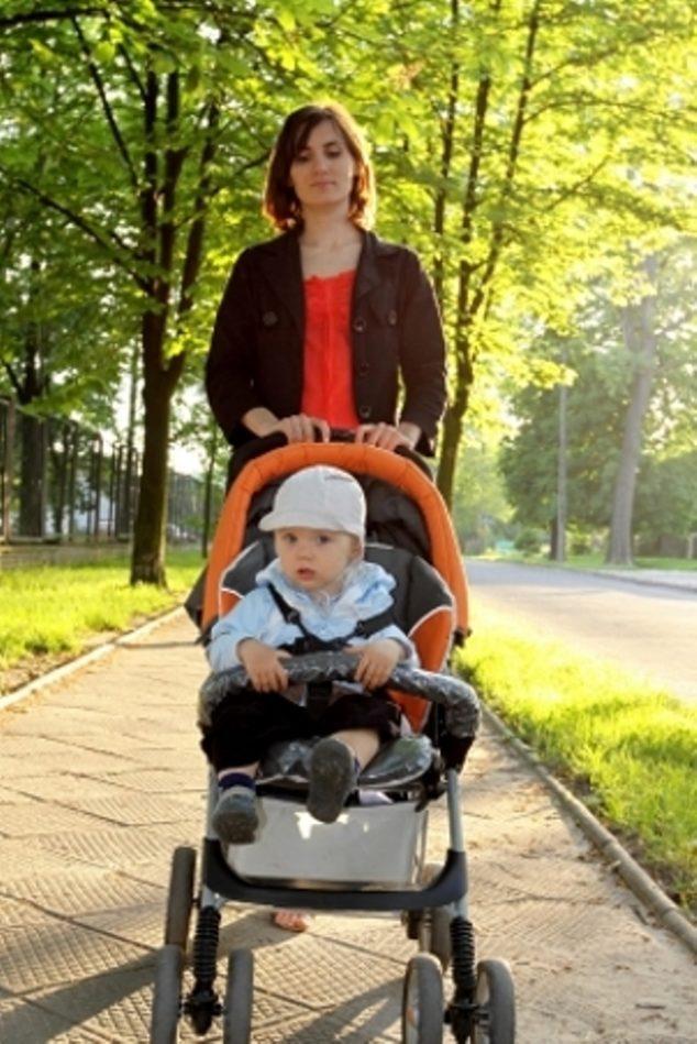 Podle rozšířené představy může matka s dítětem vyrazit na procházku až po skončení šestinedělí. Z jakého důvodu?