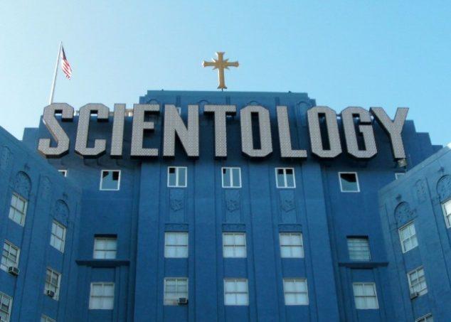 Hypnózu s uvedením do minulých životů provádějí i scientologové. Lze jejich metodám důvěřovat?