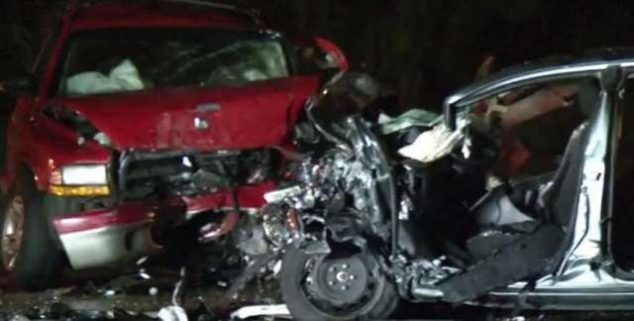 Stopařka prý zahynula při tragické nehodě tří aut roku 1989 na silnici číslo 205! Vez mužl tedy přízrak?