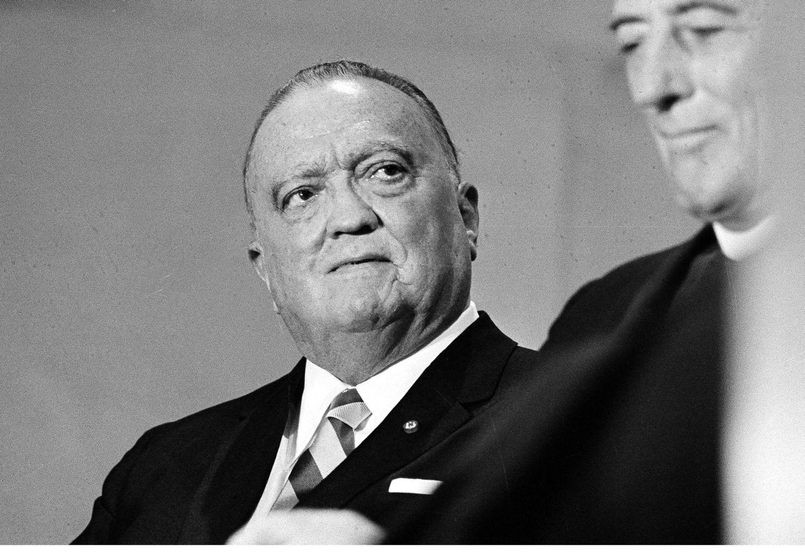 Otto von Bolschwing spolupracoval s USA jako antisovětský špion. A E. J. Hoover