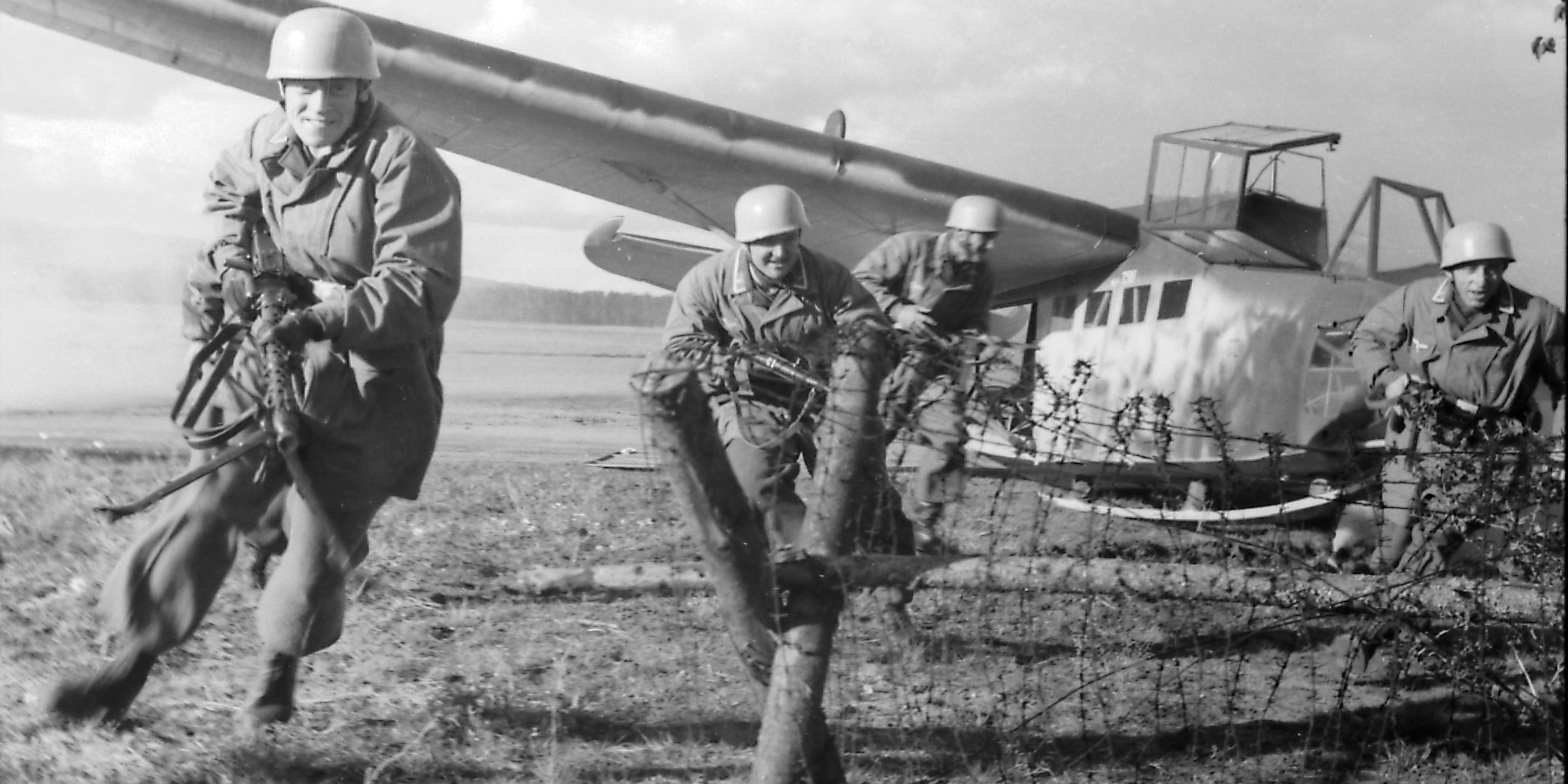 Němečtí výsadkáři neměli dlouho tušení, že bojují bez svého velitele.