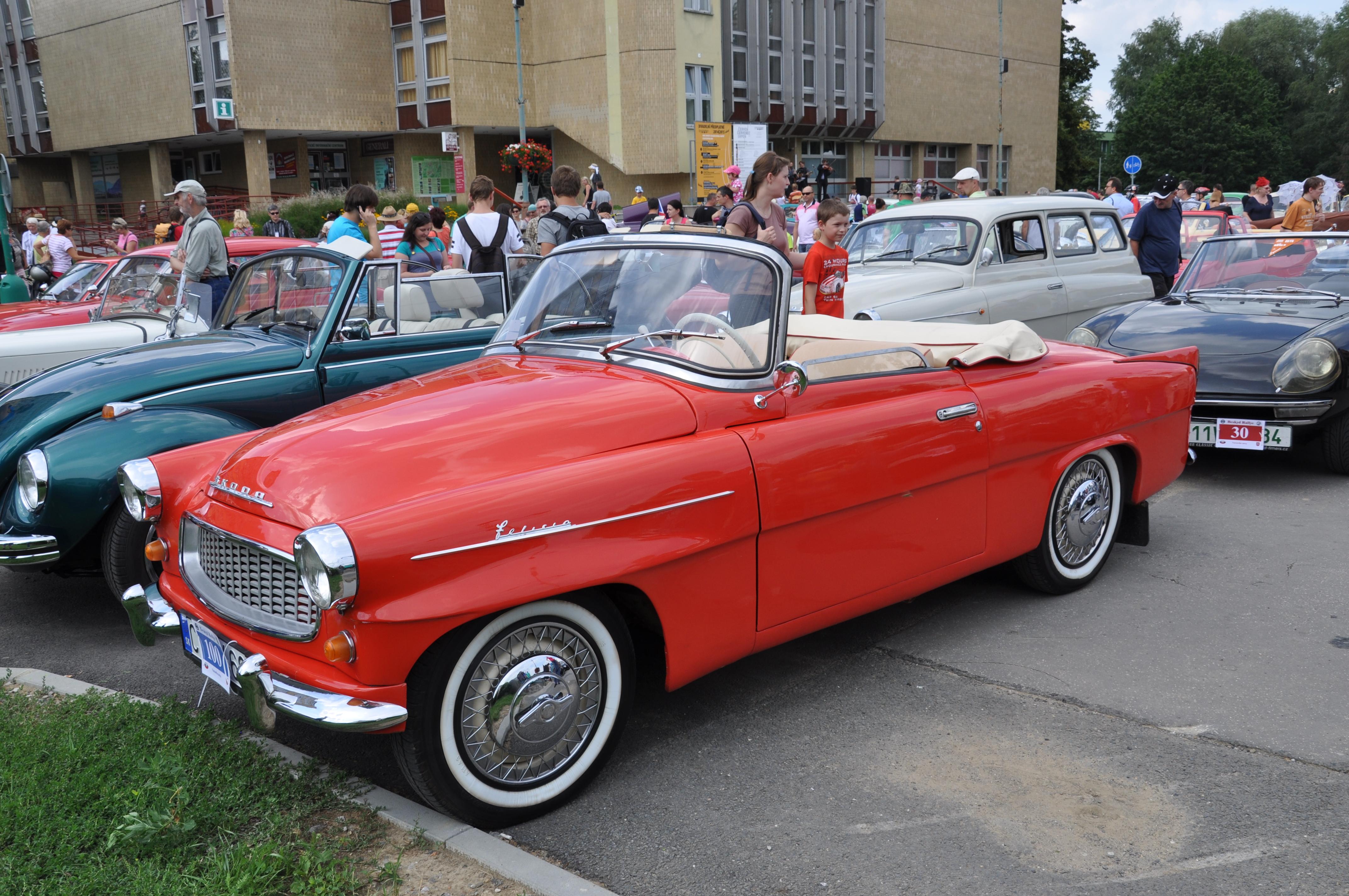 K nejhezčím automobilům v české historii patří Škoda Felicia. Na dlouhou dobu poslední tuzemský kabriolet vznikl v roce 1959. Vyráběl se pouhých 5 let.