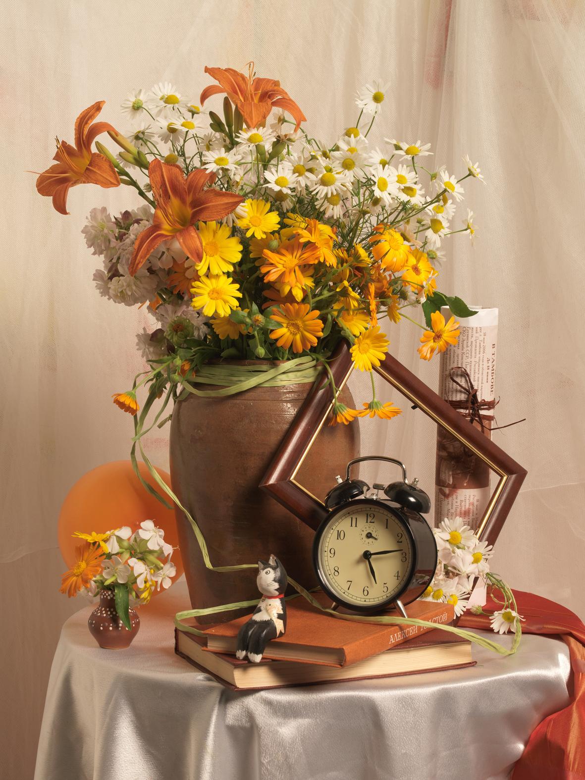 Květiny ve váze potěší každou ženu.
