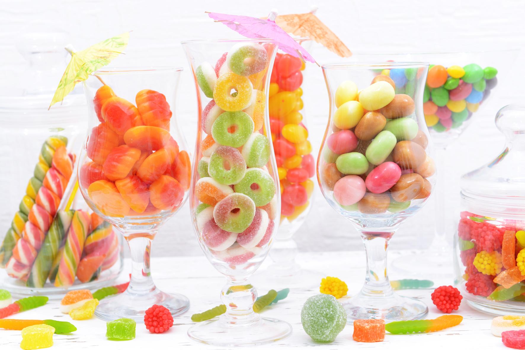 Všechny děti milují sladkosti. A když je parádně naaranžujete, budou čímsi extra.