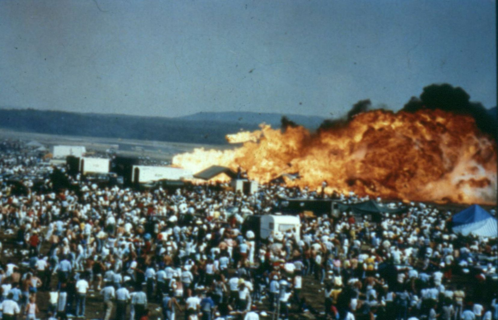 Základna se ocitne v plamenech v pouhých sedmi vteřinách.