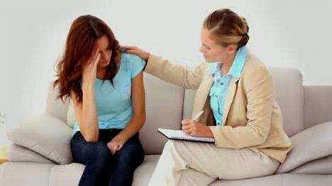 Proč se s podobnými zážitky častěji svěřují ženy?