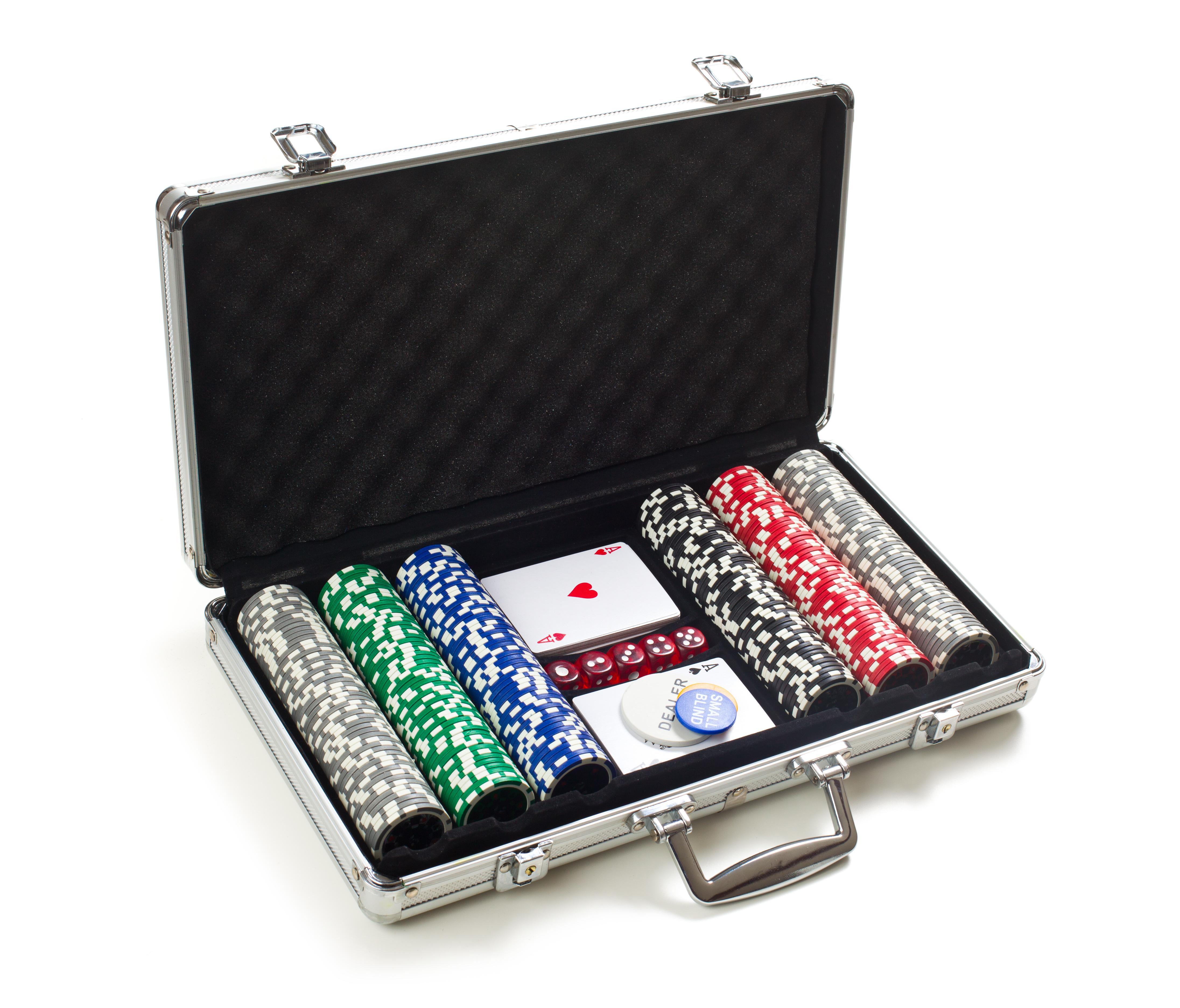 Stříbrný kufřík v sobě skrývá nepopsatelné hazardní opojení. Stačí ho jen otevřít…