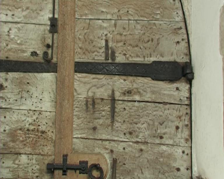 Na vratech kostela v Blythburgu jsou prý dodnes patrné stopy drápů pekelného psa.