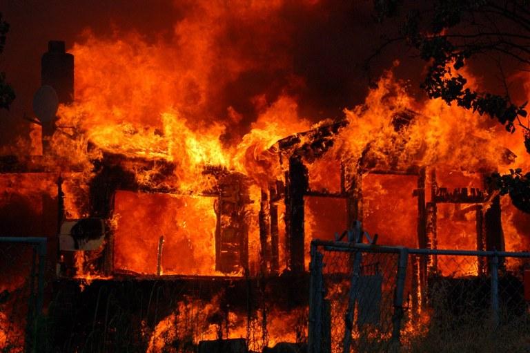Skutečně souvisely požáry v britských domácnostech s vlastnictvím obrazu Plačícího chlapce?