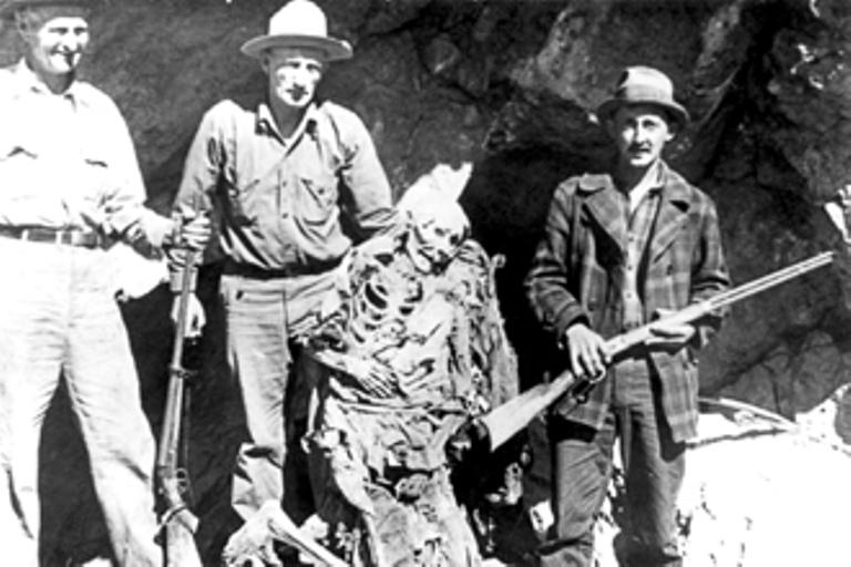 Souvisí zjevení černých psů v kaňonu Eldrorádo s kletbou indiána Queho?