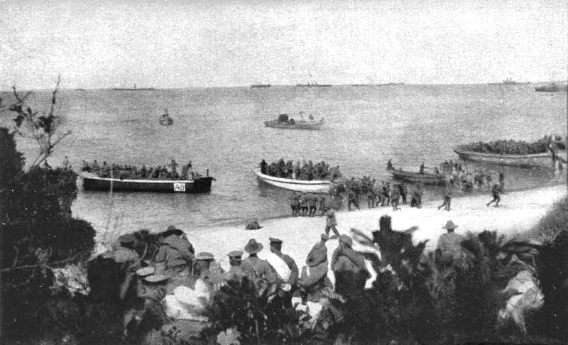 Po měsíci ostřelování a 3 zničených lodích jsou 25. dubna povolány jednotky ANZAC.