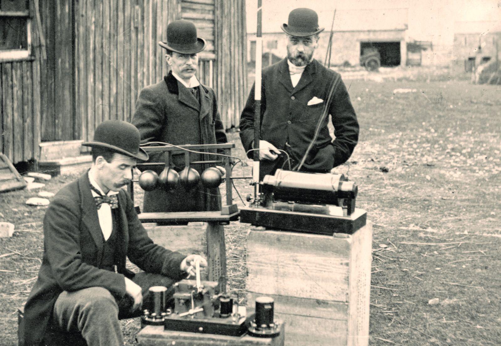 Marconi vynalezl rádio až dva roky po Teslovy.