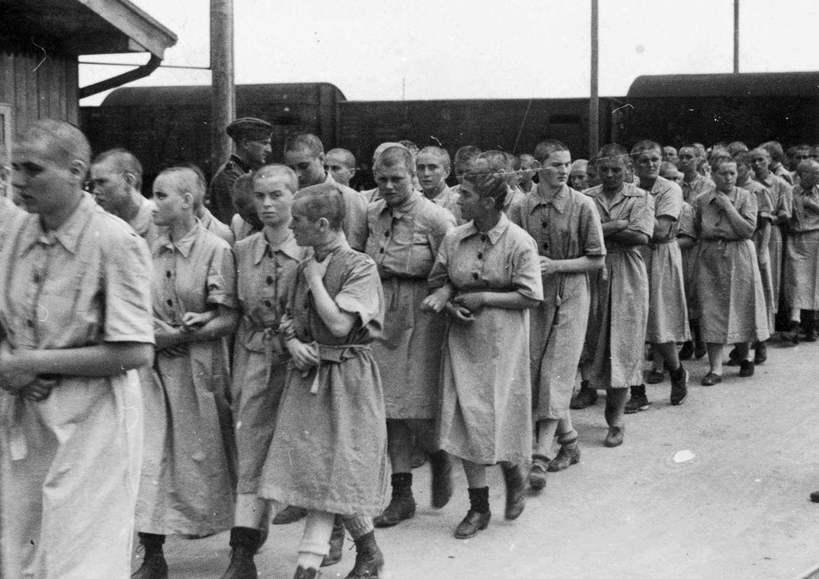 V rodinném táboře platily volnější podmínky, muži, ženy a děti zde žili dohromady.