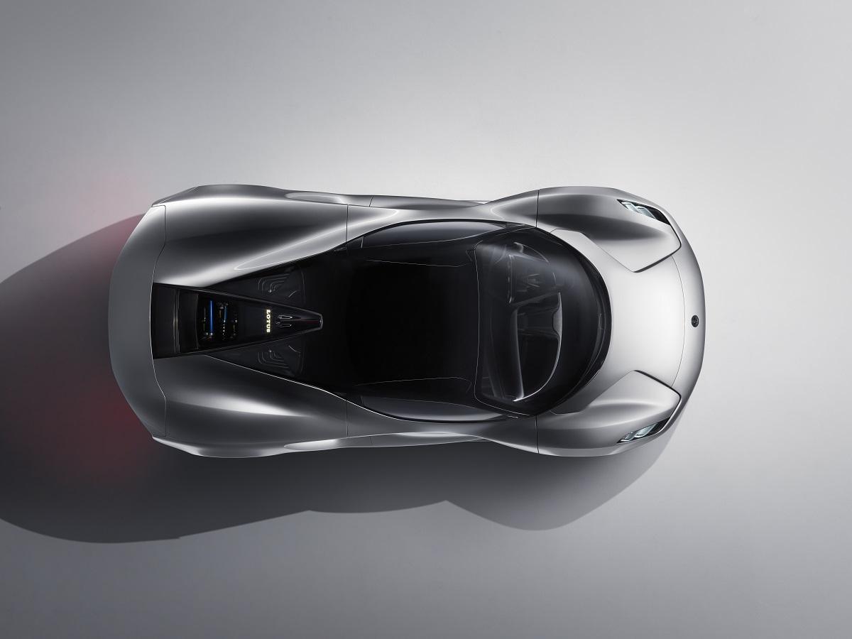 Aerodynamicky výrazně optimalizovaná Evija zrychlí na 300 km/h za 9 vteřin. Je jako stíhačka