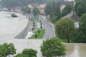 Mobilní protipovodňová zeď v Rakousku.