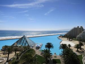 2. Křišťálově čistý bazén v San Alfonso del Mar v Chile
